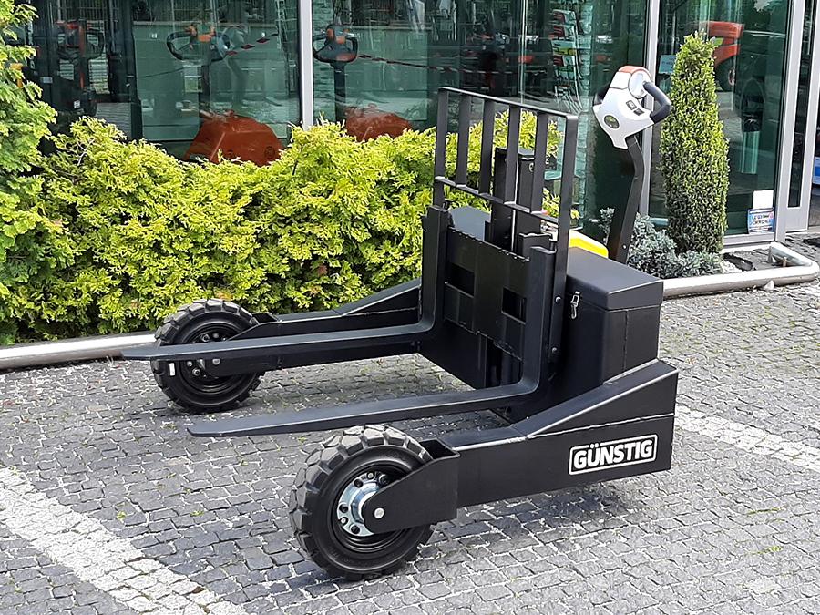 Wózek paletowy terenowy elektryczny